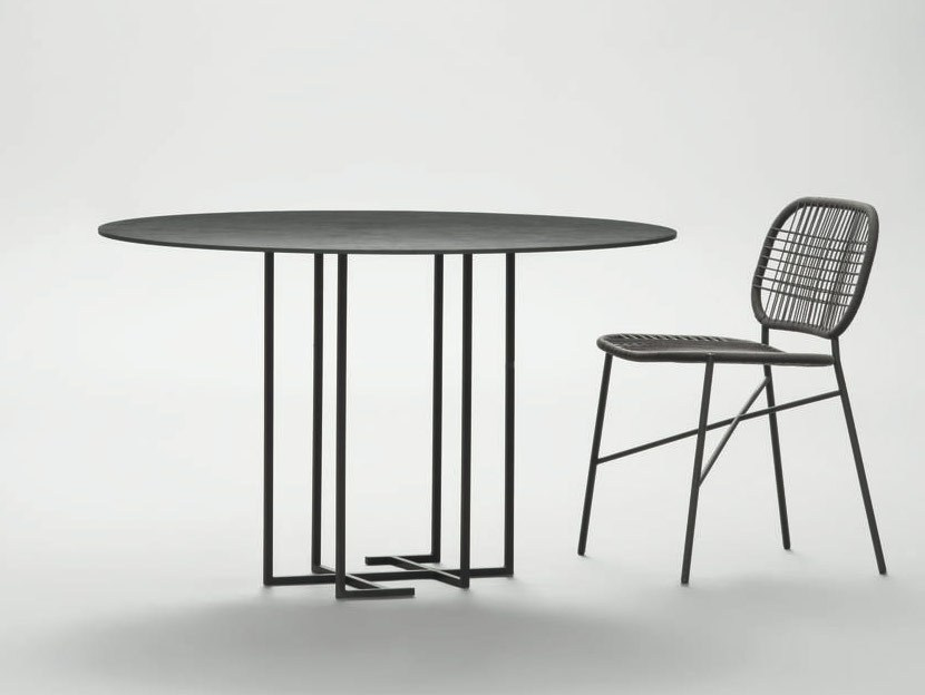 Round metal table URUSHI | Round table by da a