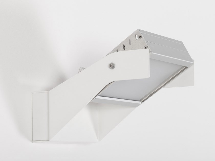 LED wall-mounted adjustable spotlight VARANO by ENGI