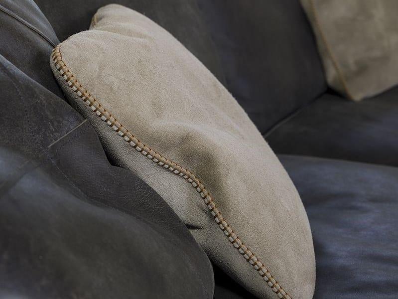 Cuscini In Pelle Per Divano.Cuscino A Tinta Unita Quadrato In Pelle Per Divani Varenne Flexstyle