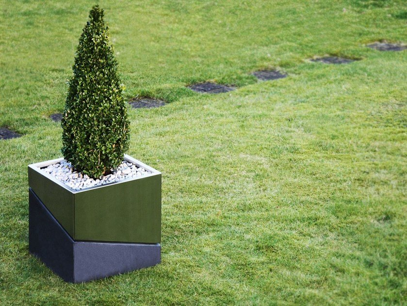 Low stainless steel and concrete planter VARIO | Planter by Otono Design