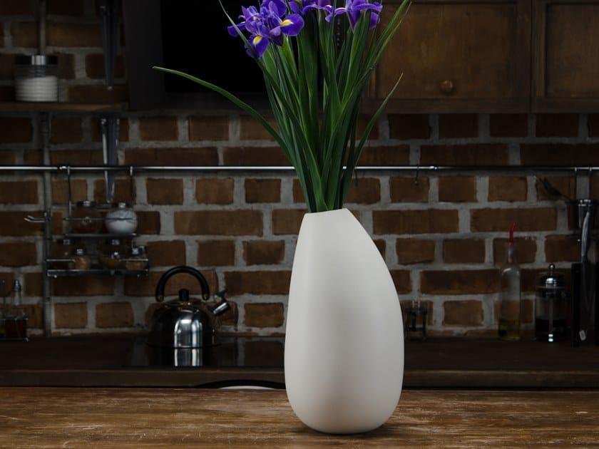 Faïence vase VASE #1 by Goloob