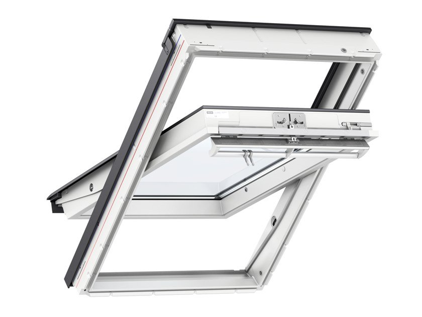 Centre-pivot Manually operated wooden roof window GGU 0070Q / GGL 2070Q / GGL 3070Q by Velux