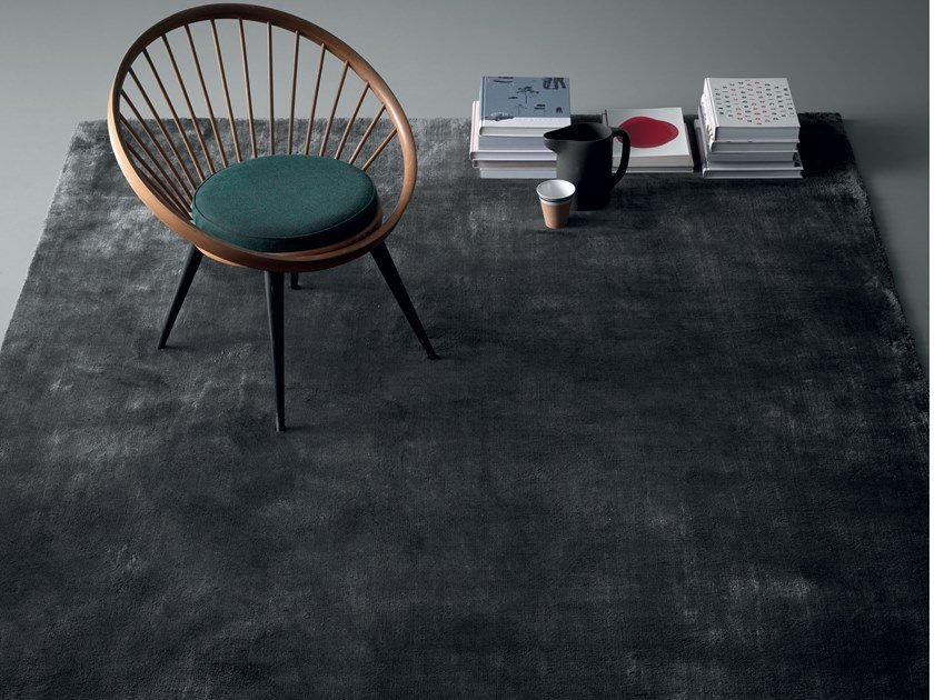 Solid-color bamboo fibre rug VELVET by Md House