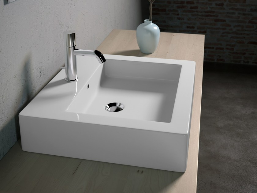 Rectangular washbasin VESNA by Olympia Ceramica