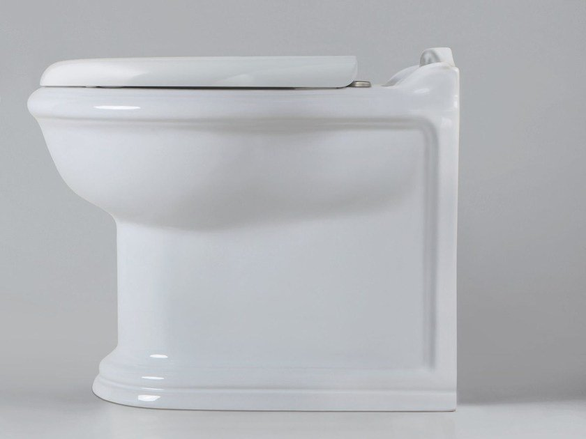 Floor mounted toilet VICTORIAN STYLE | Toilet by AZZURRA sanitari