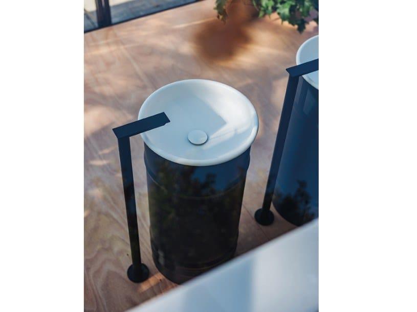 Lavabo freestanding rotondo in acciaio inox VIEQUES OUTDOOR | Lavabo freestanding by Agape