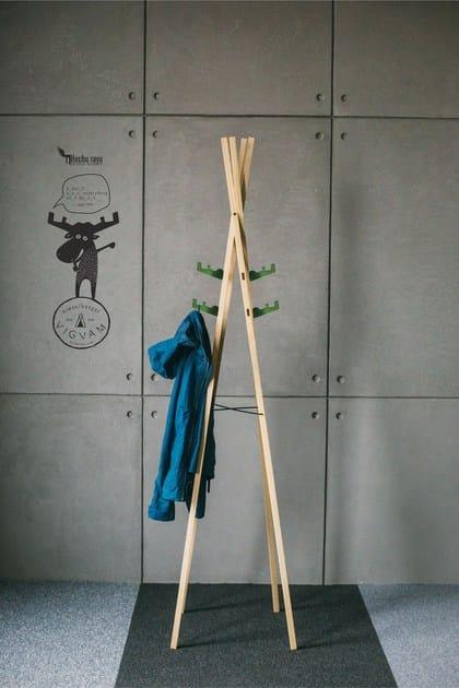 Wood veneer coat stand VIGVAM by Hochu Rayu