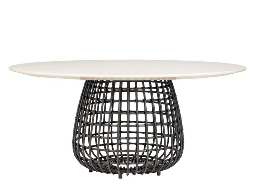 Round dining table VINO | Dining table by JANUS et Cie