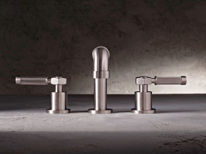 3 hole countertop washbasin tap VINTAGE | 3 hole washbasin tap by Graff Europe West
