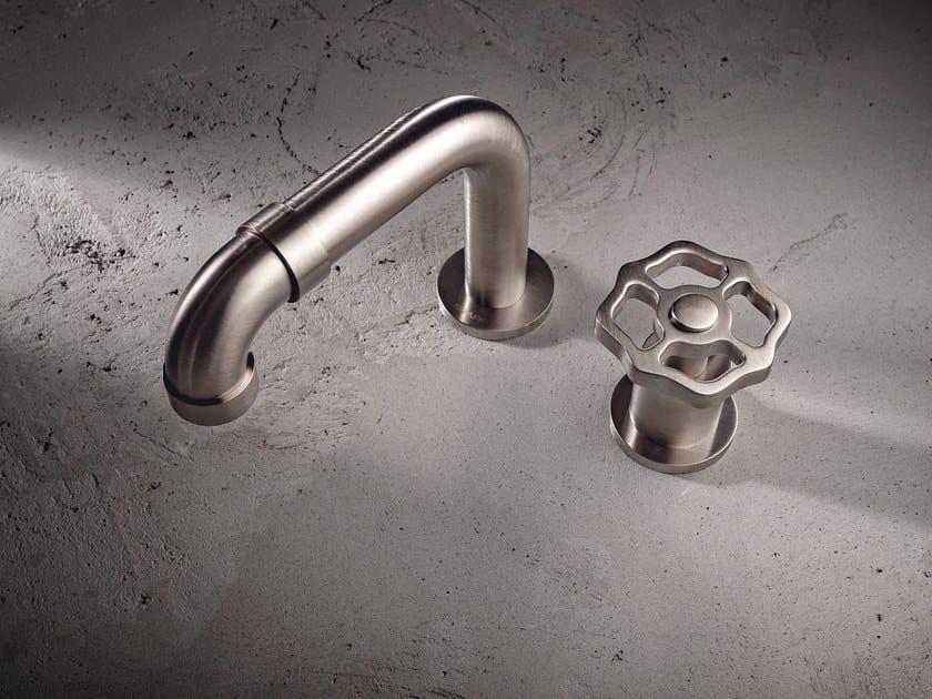 2 hole countertop washbasin mixer VINTAGE | 2 hole washbasin mixer by Graff Europe West