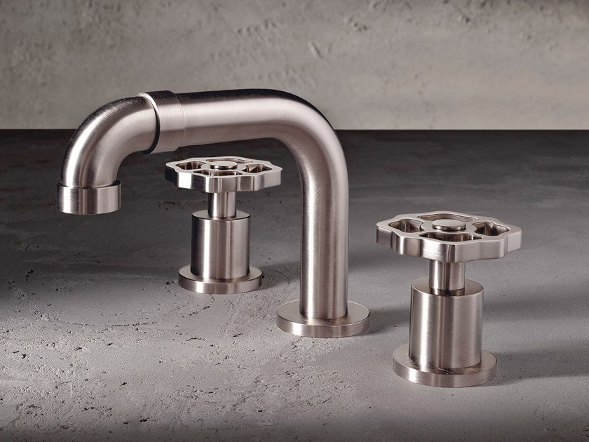 3 hole countertop washbasin tap VINTAGE | Countertop washbasin tap by Graff Europe West