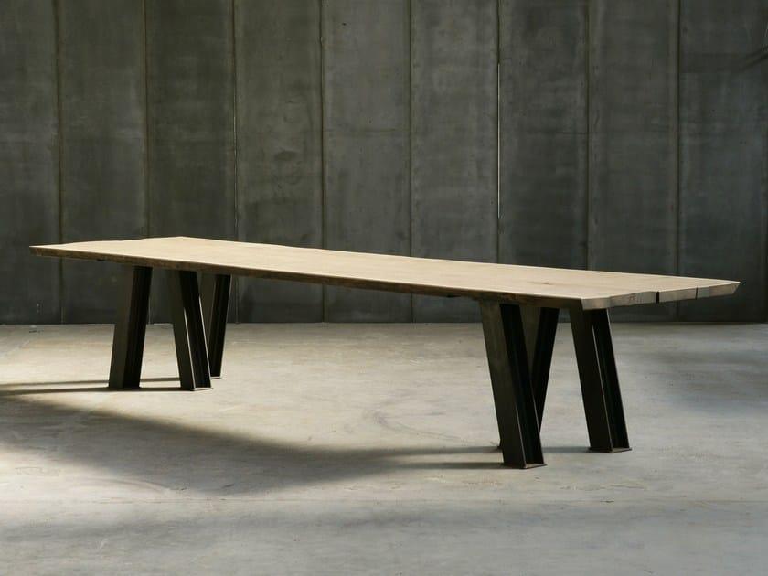 Custom oak table VIR MTM by Heerenhuis