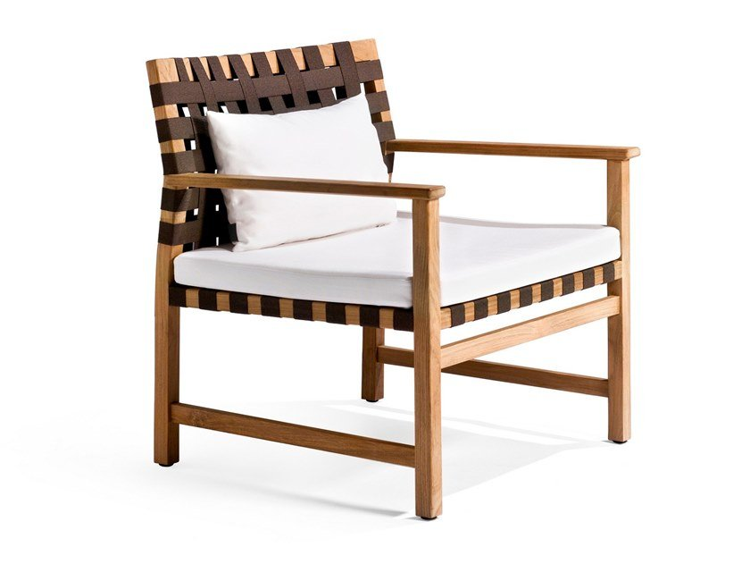 Garden easy chair with armrests VIS À VIS | Garden easy chair by TRIBÙ
