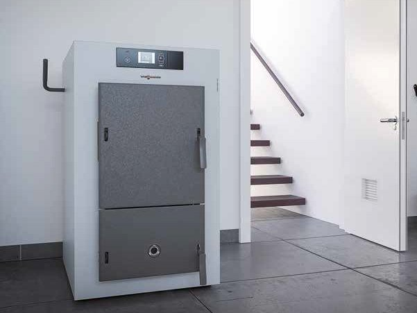 Wood-burning Class A+ indoor boiler VITOLIGNO 150-S by VIESSMANN