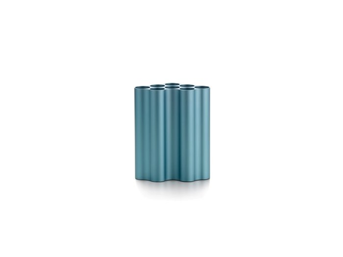 Anodized aluminium vase VITRA - NUAGE Medium pastel blue by Archiproducts.com