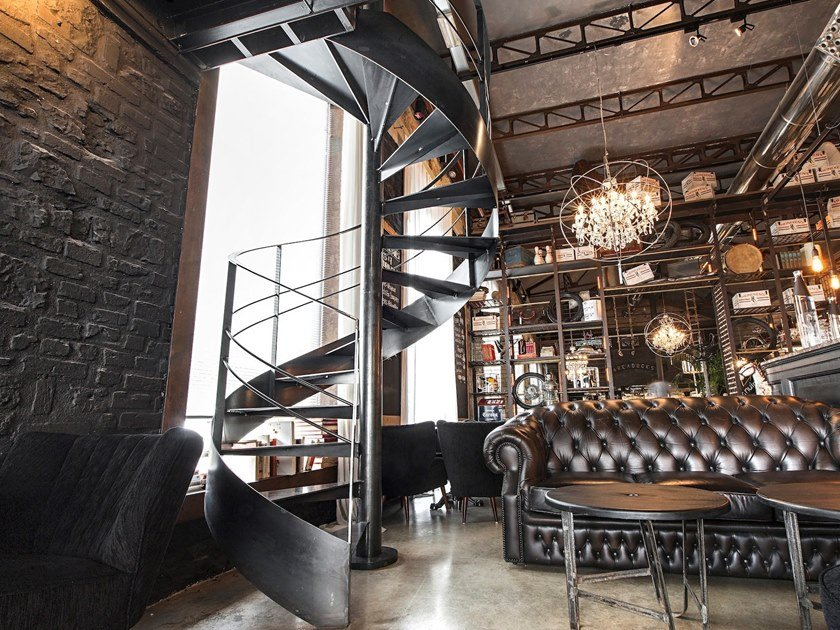 Painted metal Spiral staircase VITRE by Officine Sandrini