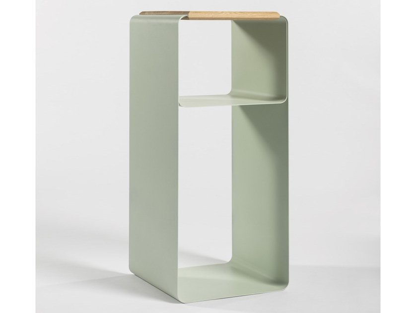Open double-sided lacquered plate bookcase VODO | Bookcase by Medulum
