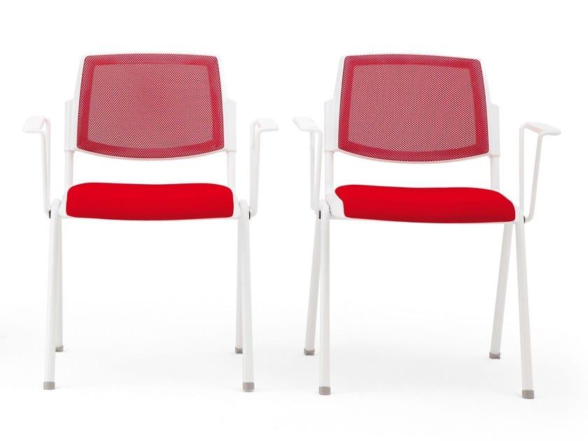 Sedia impilabile in tessuto con braccioli VOLÉE NET SOFT | Sedia by Diemmebi