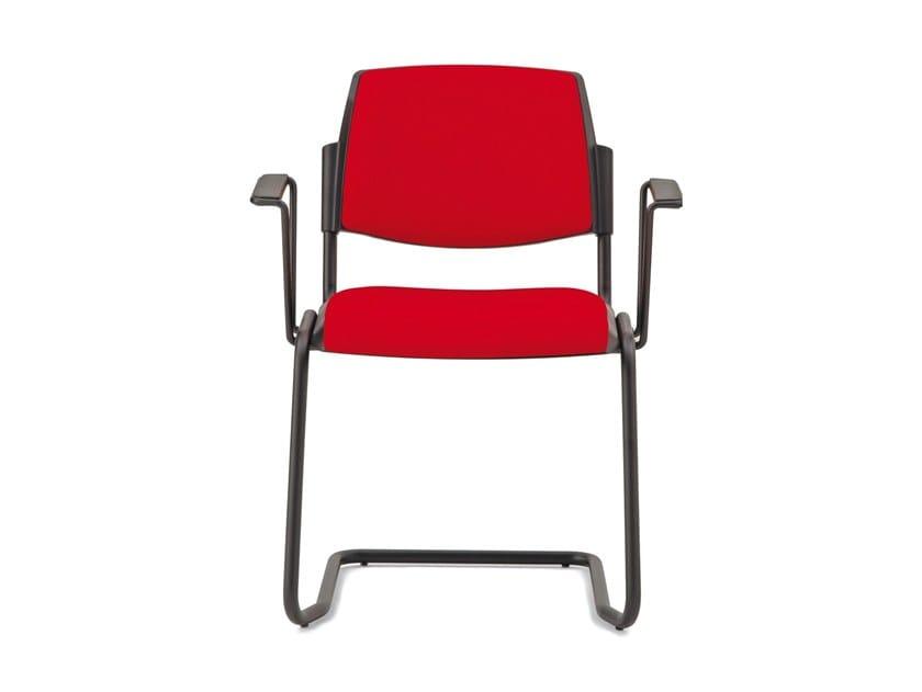 Sedia in tessuto con braccioli VOLÉE SOFT | Sedia a sbalzo by Diemmebi