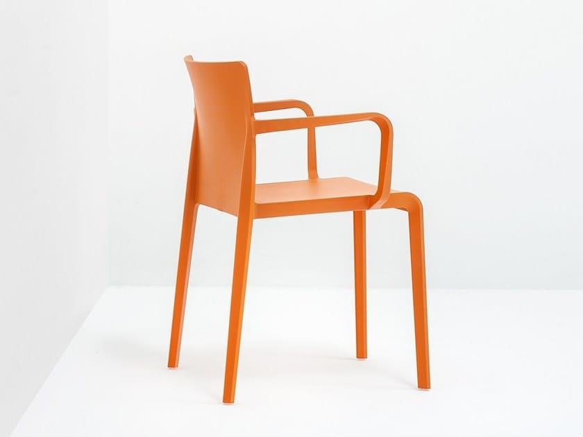 Design plastic chair VOLT 675 by PEDRALI