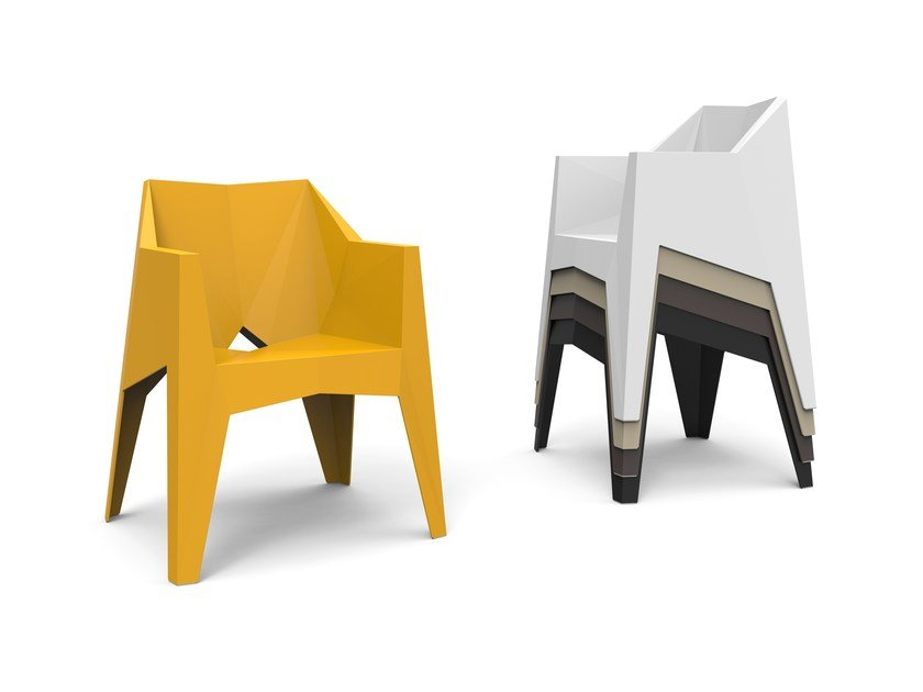 Stackable garden chair with armrests VOXEL by VONDOM