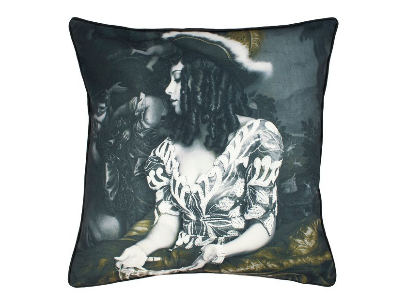 Square velvet cushion WATER IS NOT ENOUGH - GOLD EDITION | Cushion by Mineheart