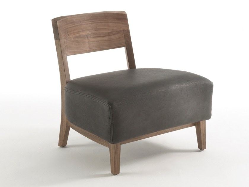 Upholstered easy chair WILMA | Easy chair by Riva 1920