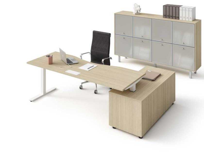 Melamine-faced chipboard executive desk with shelves WINGLET | Office desk with shelves by Bralco