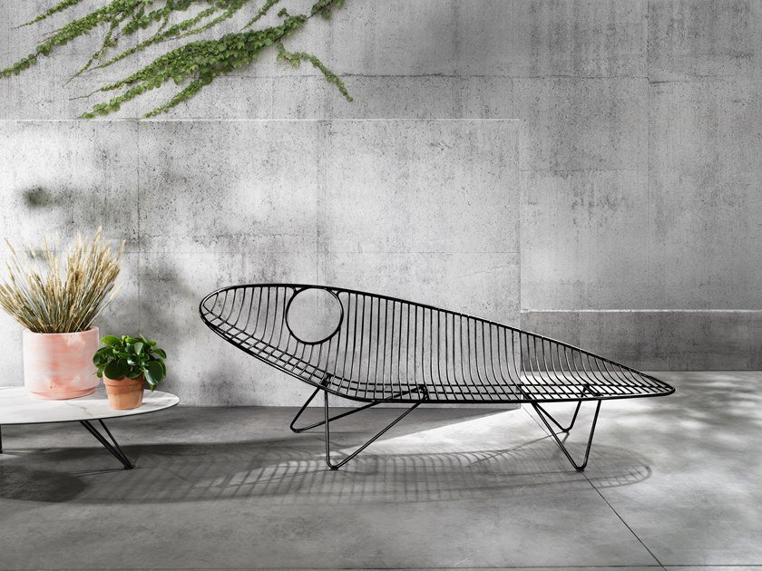 Stainless steel garden daybed WIRE | Garden daybed by Joli
