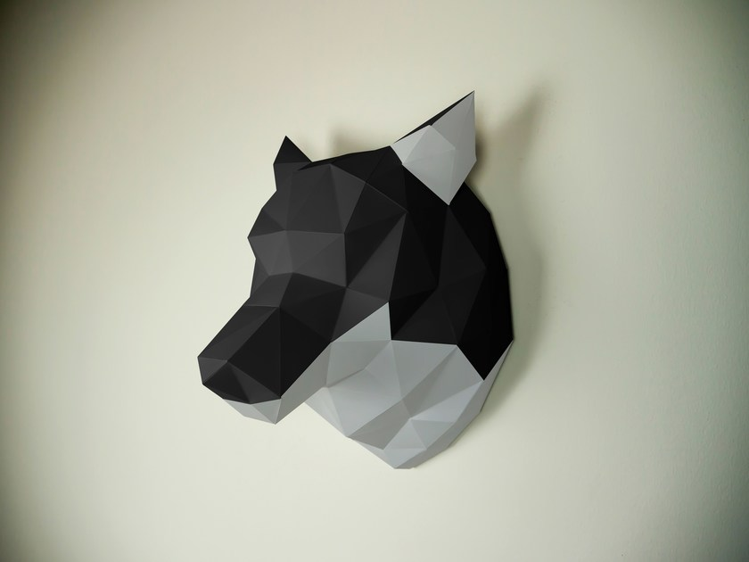 Paper wall decor item WOLF by Papertrophy