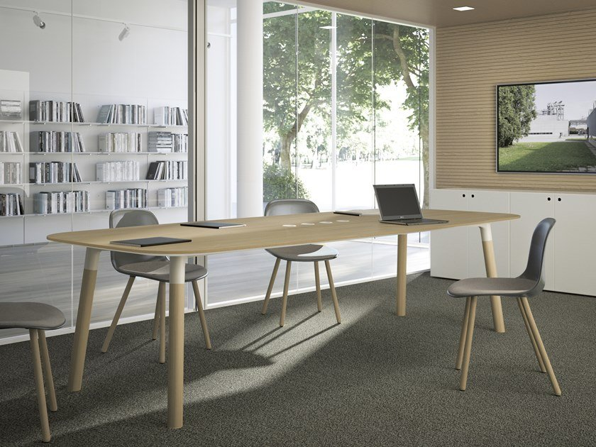 Beech meeting table WOODS | Meeting table by FANTONI