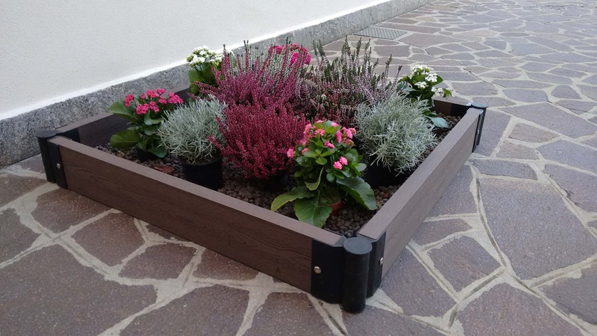 WPC FLOWER BED
