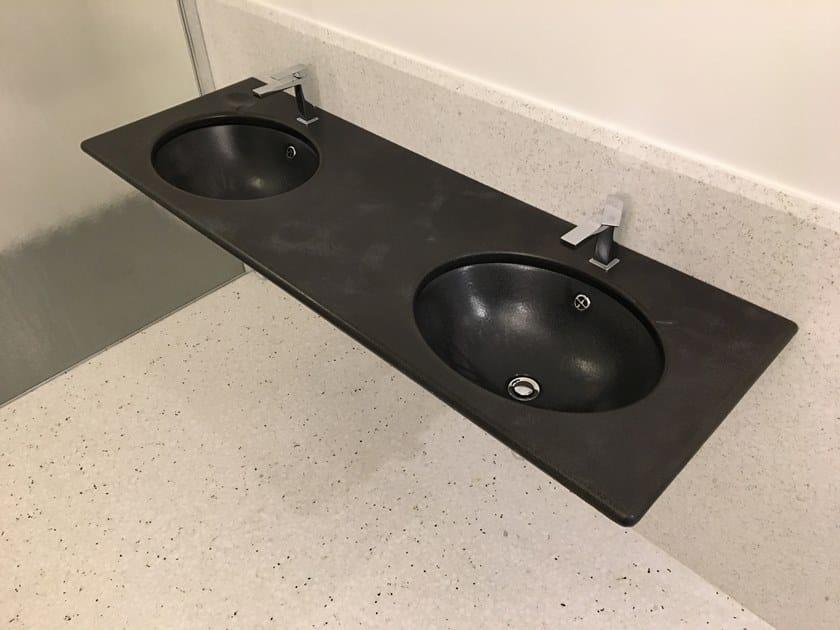 Piano lavabo in pietra lavica Piano lavabo by Acquario Due