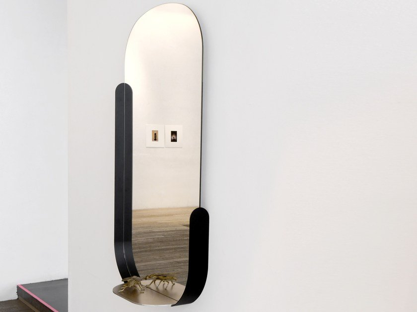Framed oval wall-mounted mirror WONDERLAND by Dante