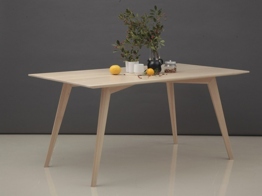 Rectangular oak table X | Table by ERA