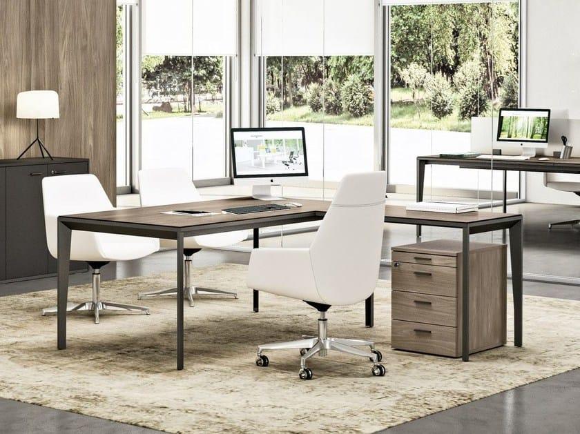 X5 scrivania direzionale by quadrifoglio for Quadrifoglio arredo ufficio