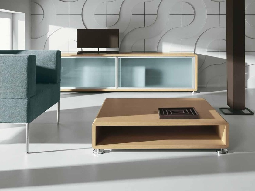 Low coffee table with storage space XEON | Coffee table by BALMA