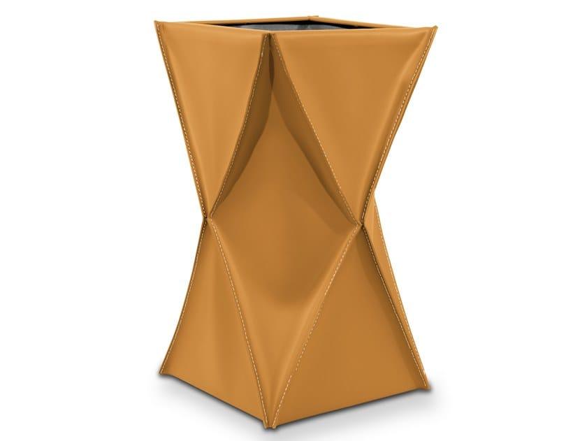 Floorstanding leather umbrella stand XIDRA by LIMAC design FIRESTYLE