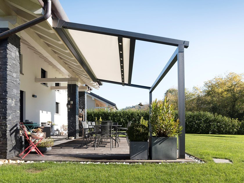 Motorized pergola with sliding cover XTESA PLAIN by KE Outdoor Design