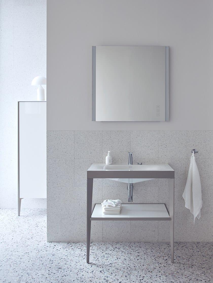 XVIU | Specchio con illuminazione integrata