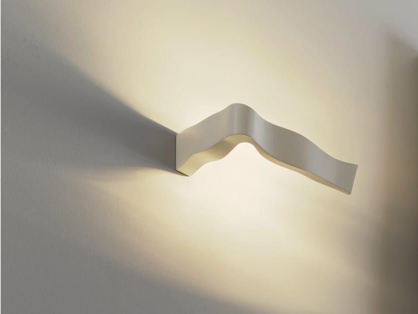 Indirect light die cast aluminium wall light YVES by FontanaArte