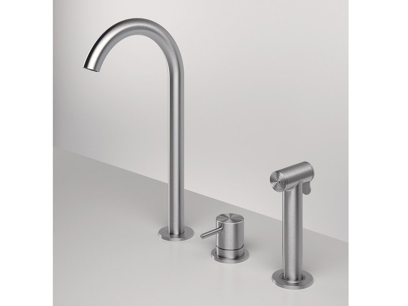 3 hole kitchen mixer tap with pull out spray Z316 | 3 hole kitchen mixer tap by ZAZZERI