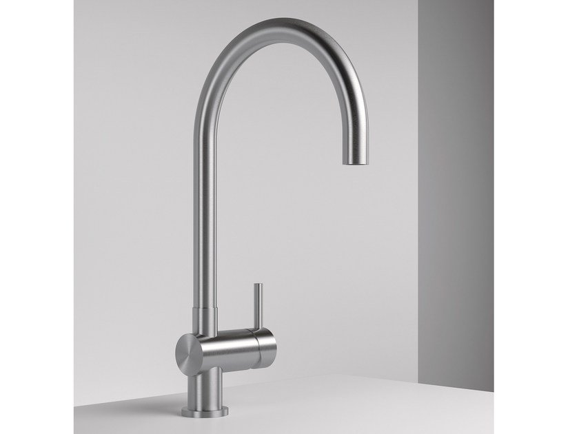 Single handle kitchen mixer tap with swivel spout Z316 | Kitchen mixer tap with swivel spout by ZAZZERI