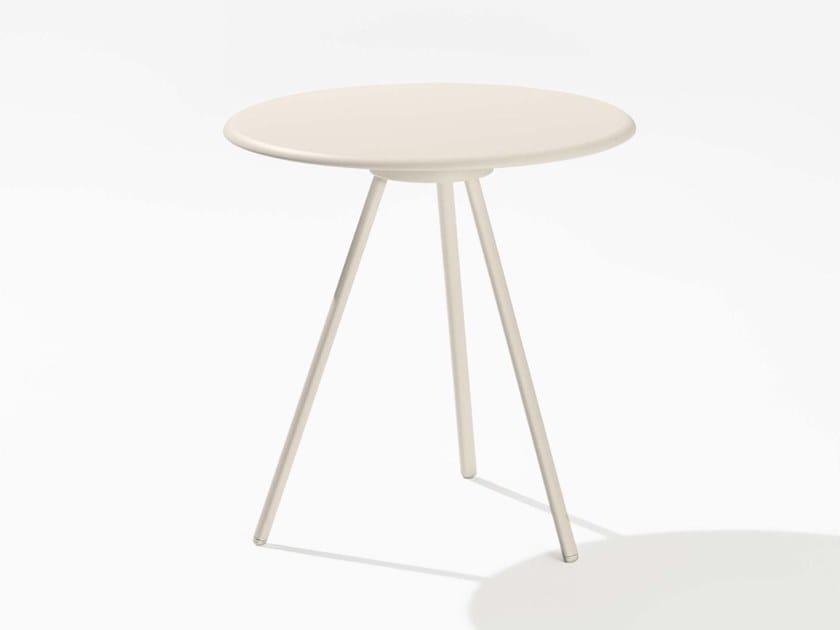 Round garden table ZEBRA | Round table by FAST