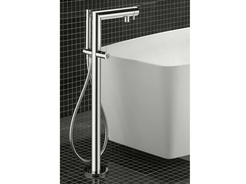 Floor standing bathtub tap ZEUS T | Bathtub tap by Signorini