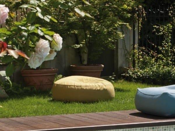 Fabric garden pouf ZOE | Garden pouf by Verzelloni