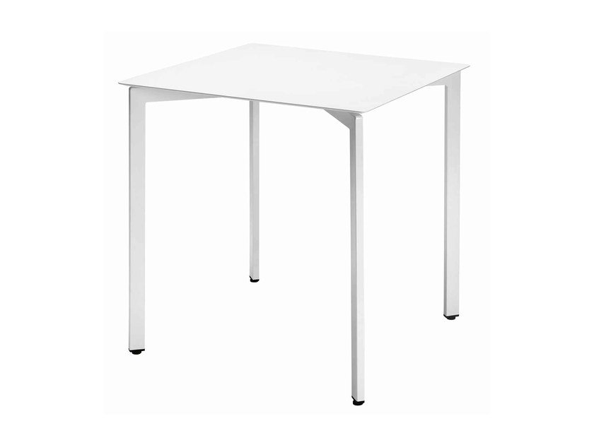 Square steel table Zenith 472-Q by Metalmobil