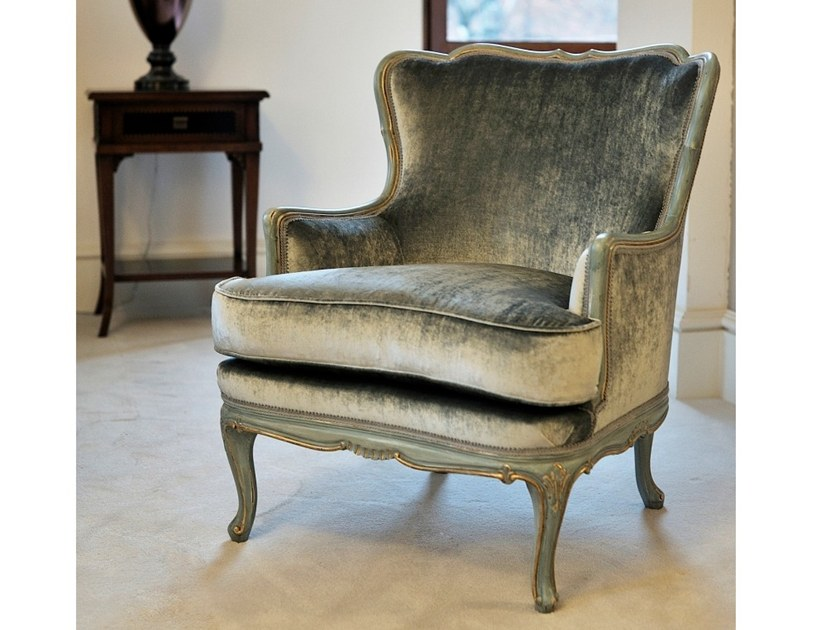 Upholstered fabric armchair with armrests A 1522 | Armchair by Annibale Colombo