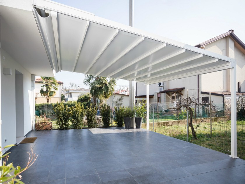 Sliding awning with guide system A100 LINEAR by KE Outdoor Design