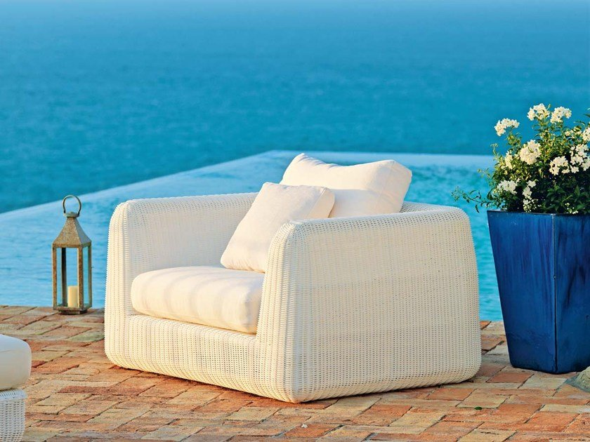 Garden armchair with armrests AGORÀ | Garden armchair by Unopiù